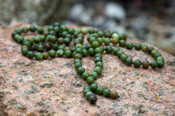 Mala med grøn Sinkiang Jade