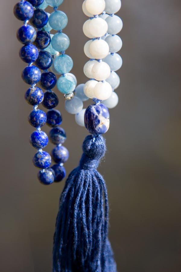 Mala med lapis lazuli, akvamarin, angelit og månesten