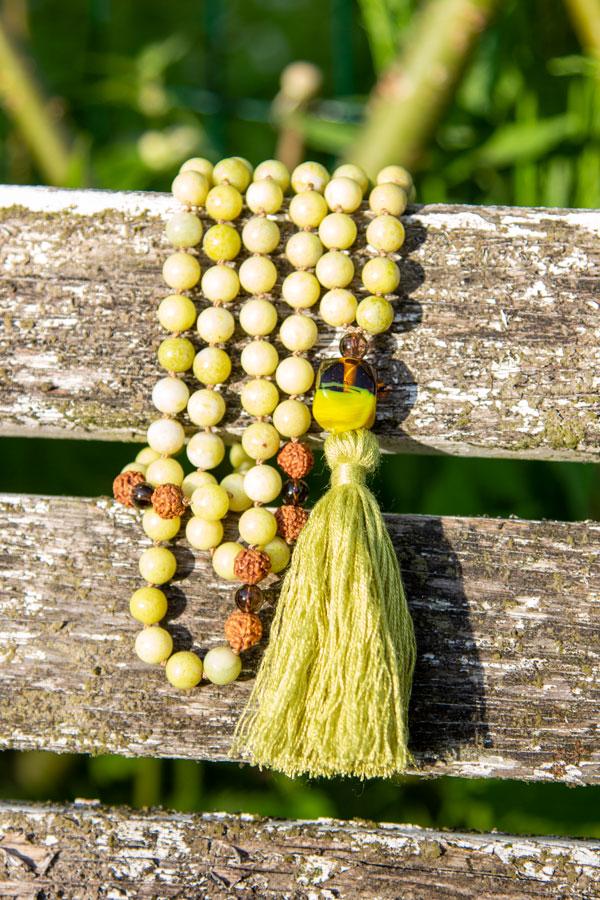 Gul-grøn jade mala