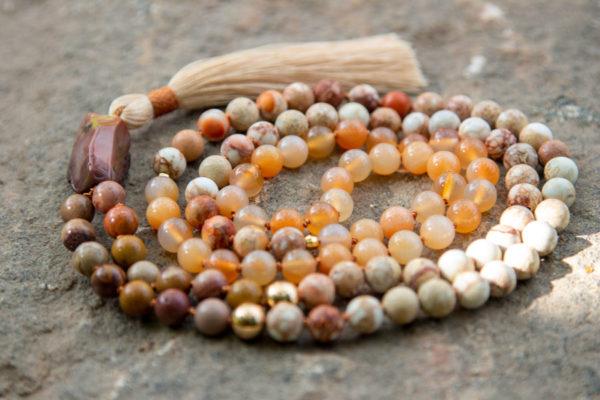 Mala meditationskæder med kvast